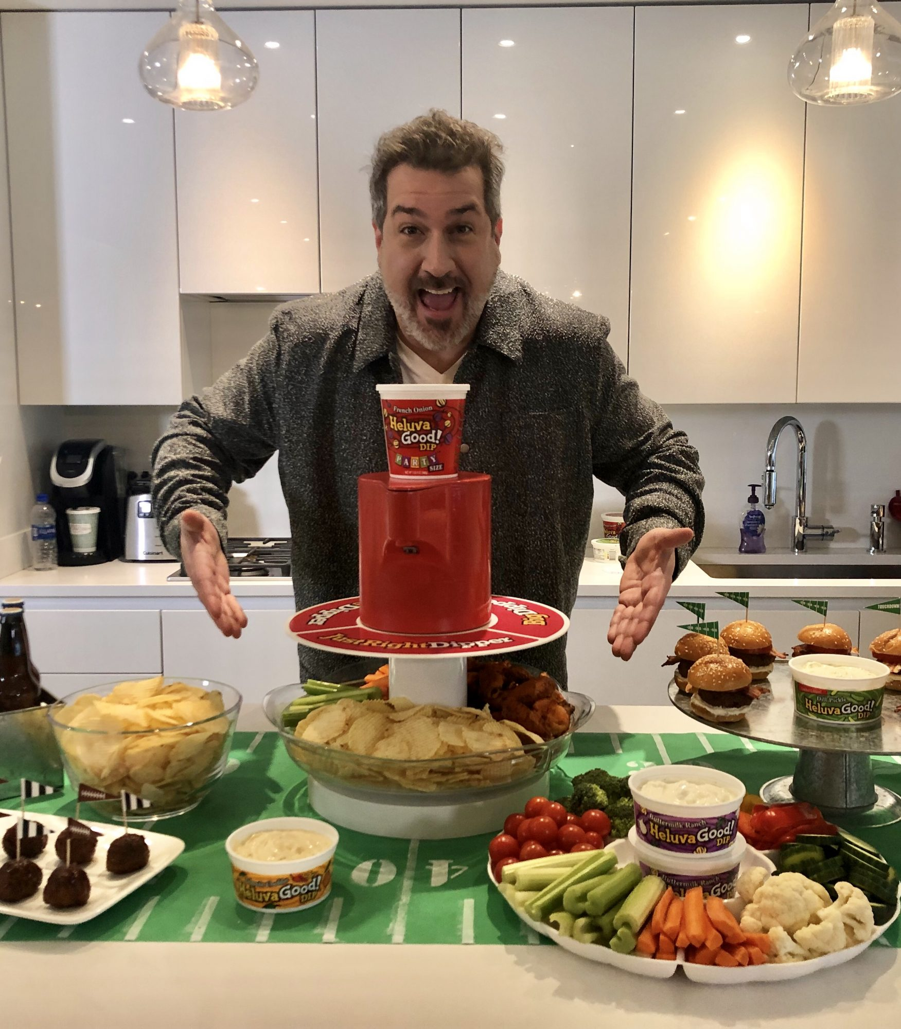 Joey Fatone and DipSpinner Image