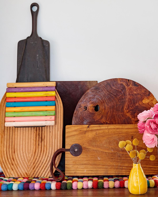 Ellen Bennett's colorful kitchen accents