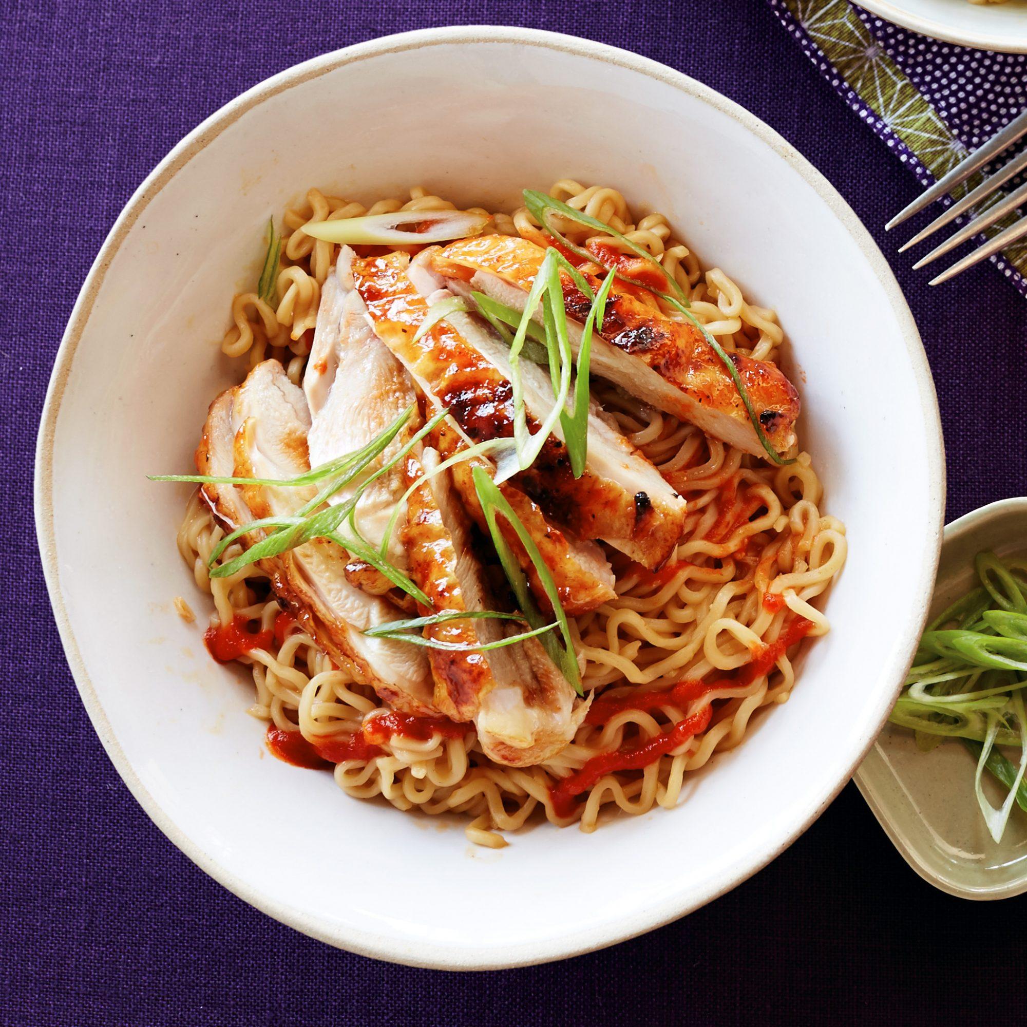 sriracha chicken noodle bowls