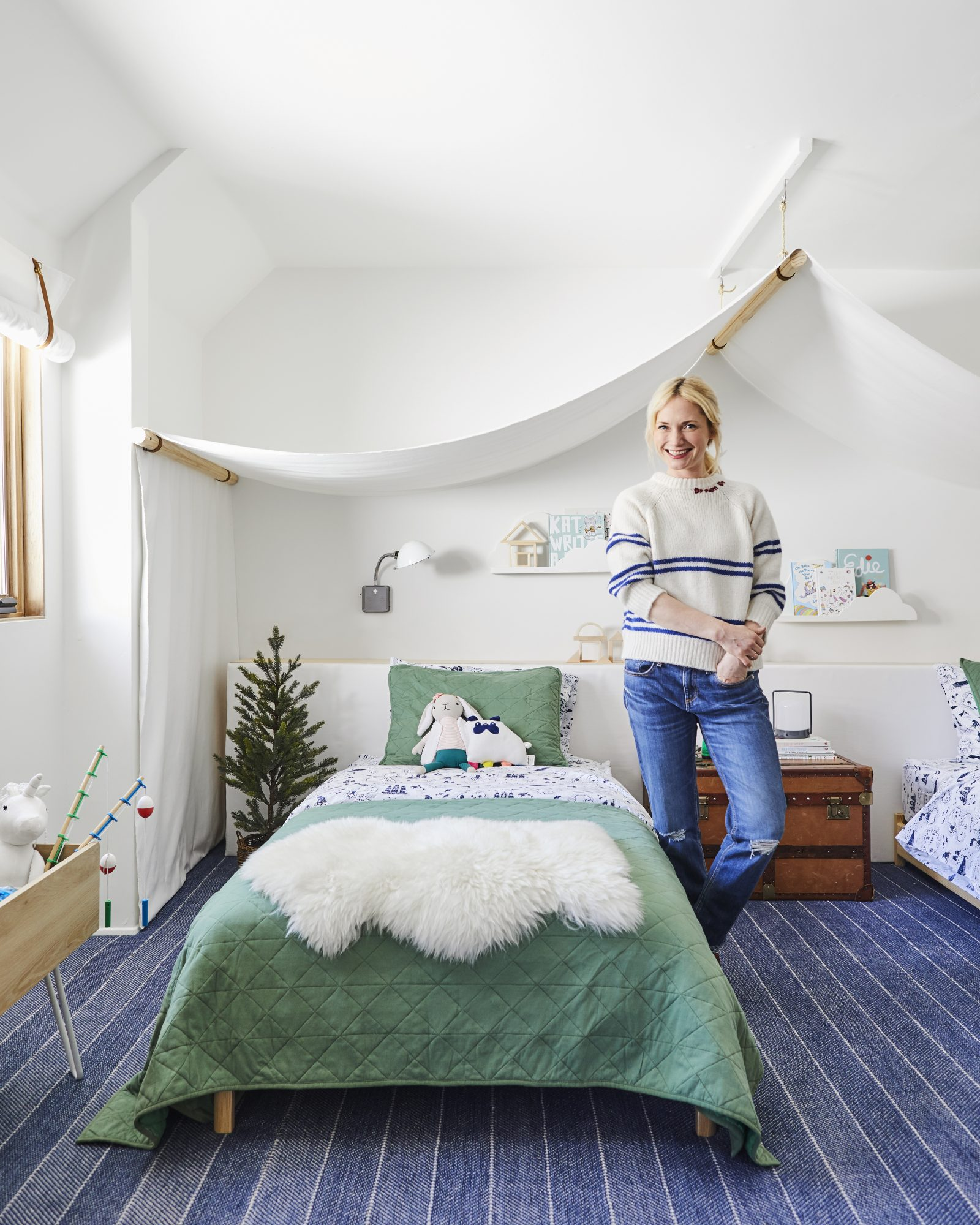 Emily Henderson Mountain Pillowfort Kids Room19