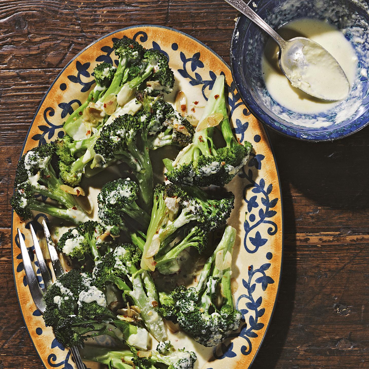 creamy garlic sauce with broccoli