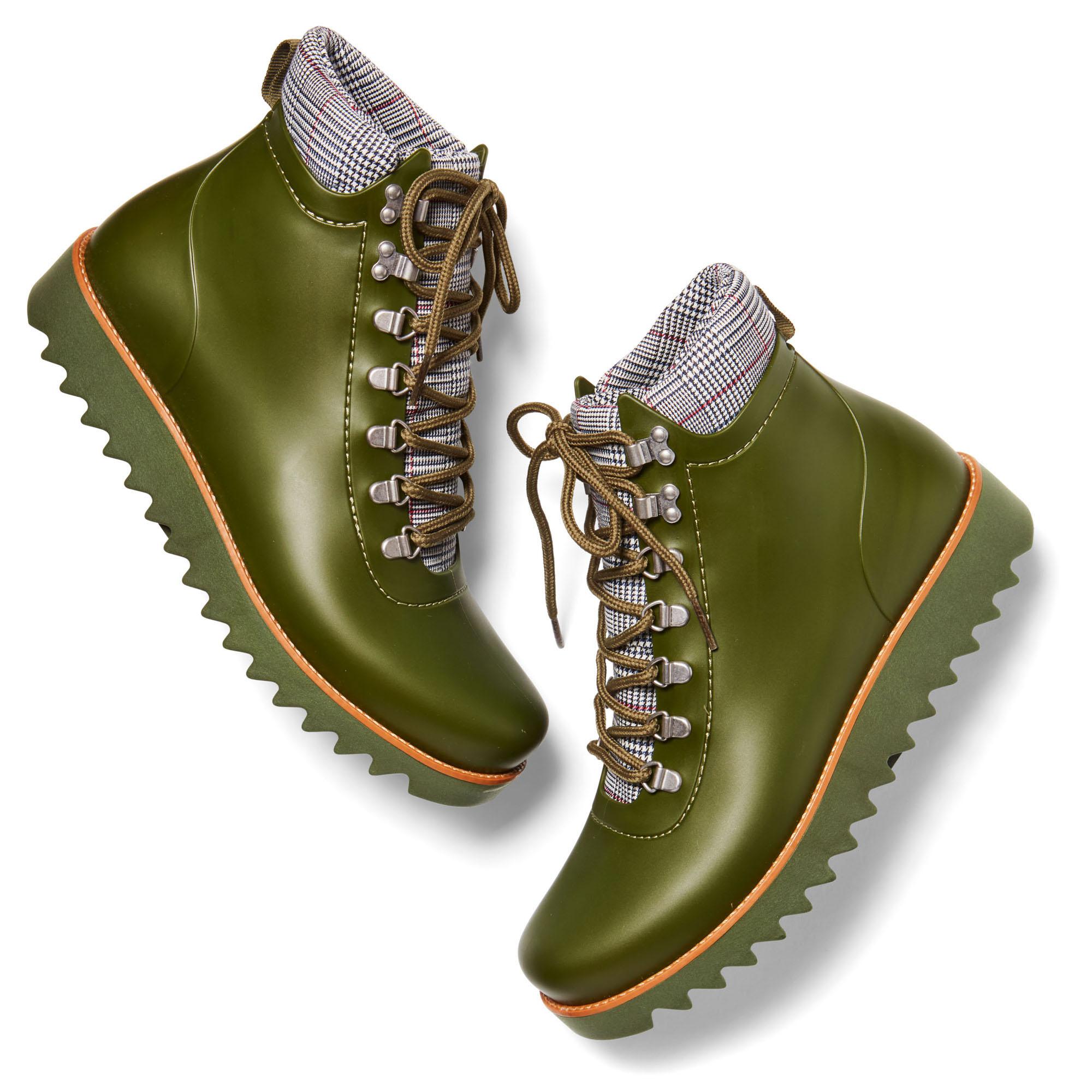 green Bernardo Winnie ankle rain boots