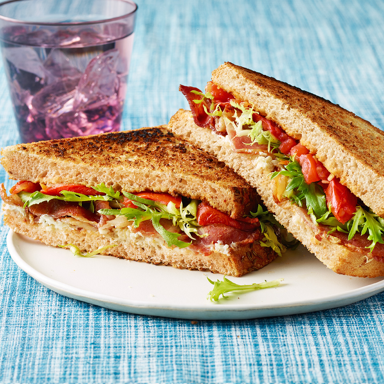 Spicy Bacon Sammies