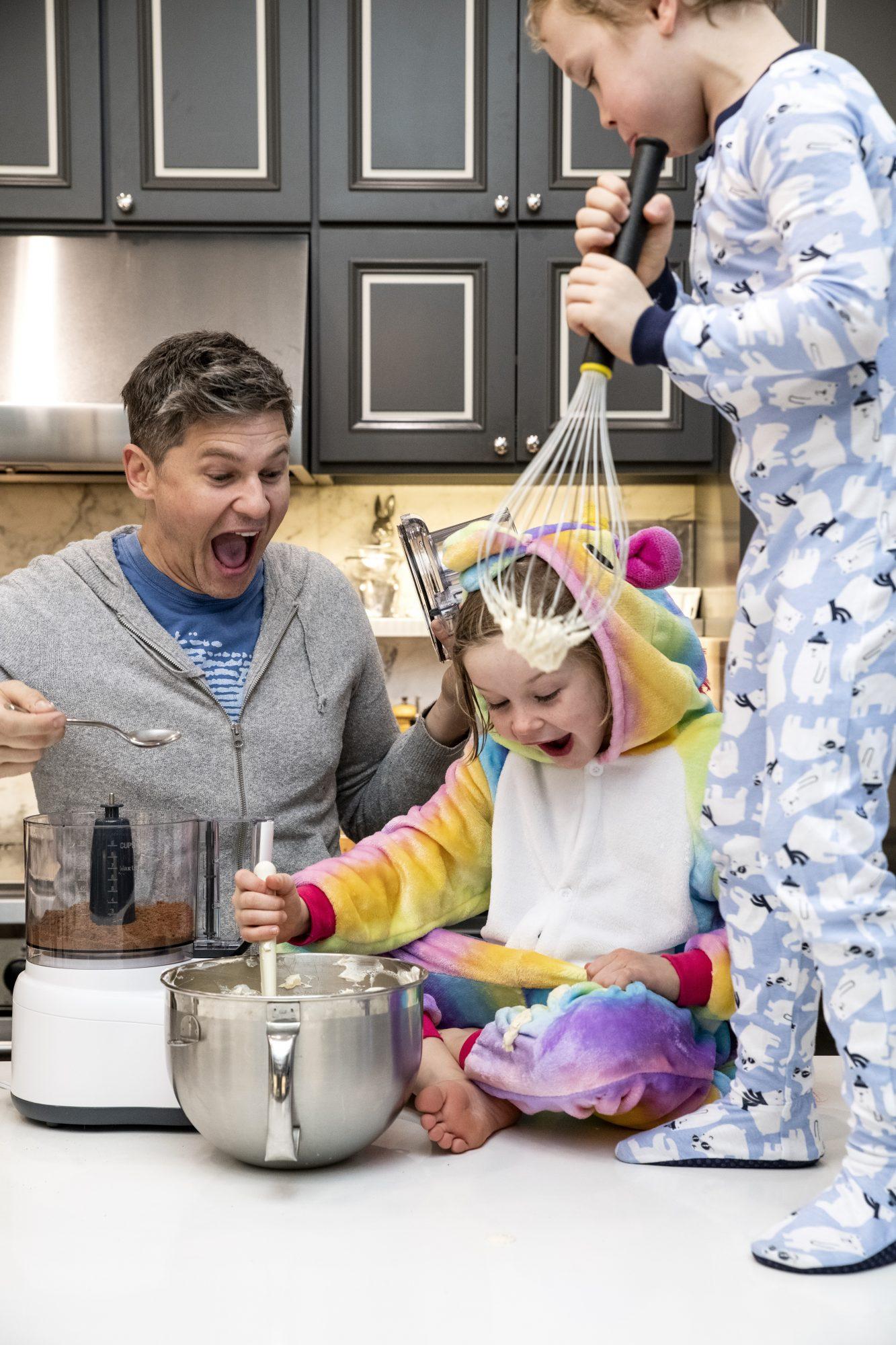 David Burtka cooks with his kids, Harper and Gideon