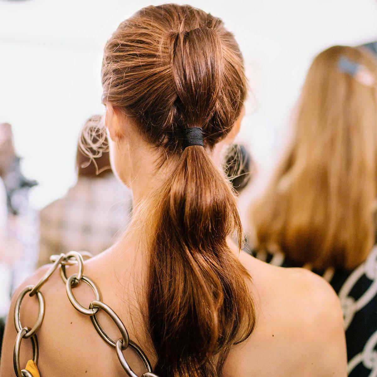 knot ponytail