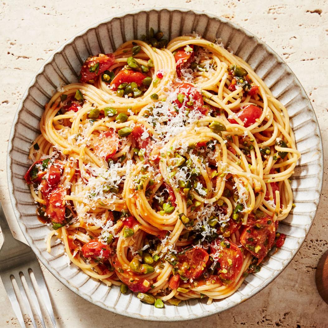 sicilian spaghetti cherry tomatoes pistachios
