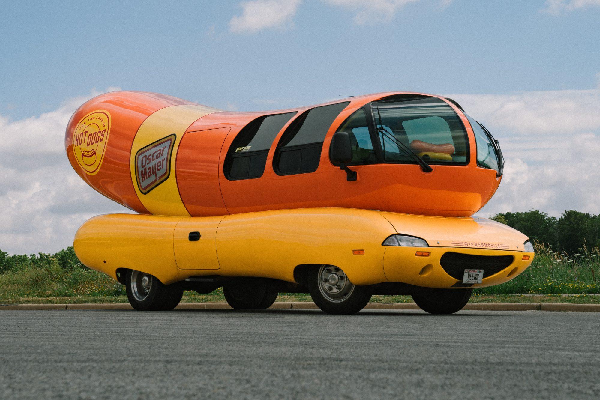 Oscar Mayer Wienermobile_exterior 2