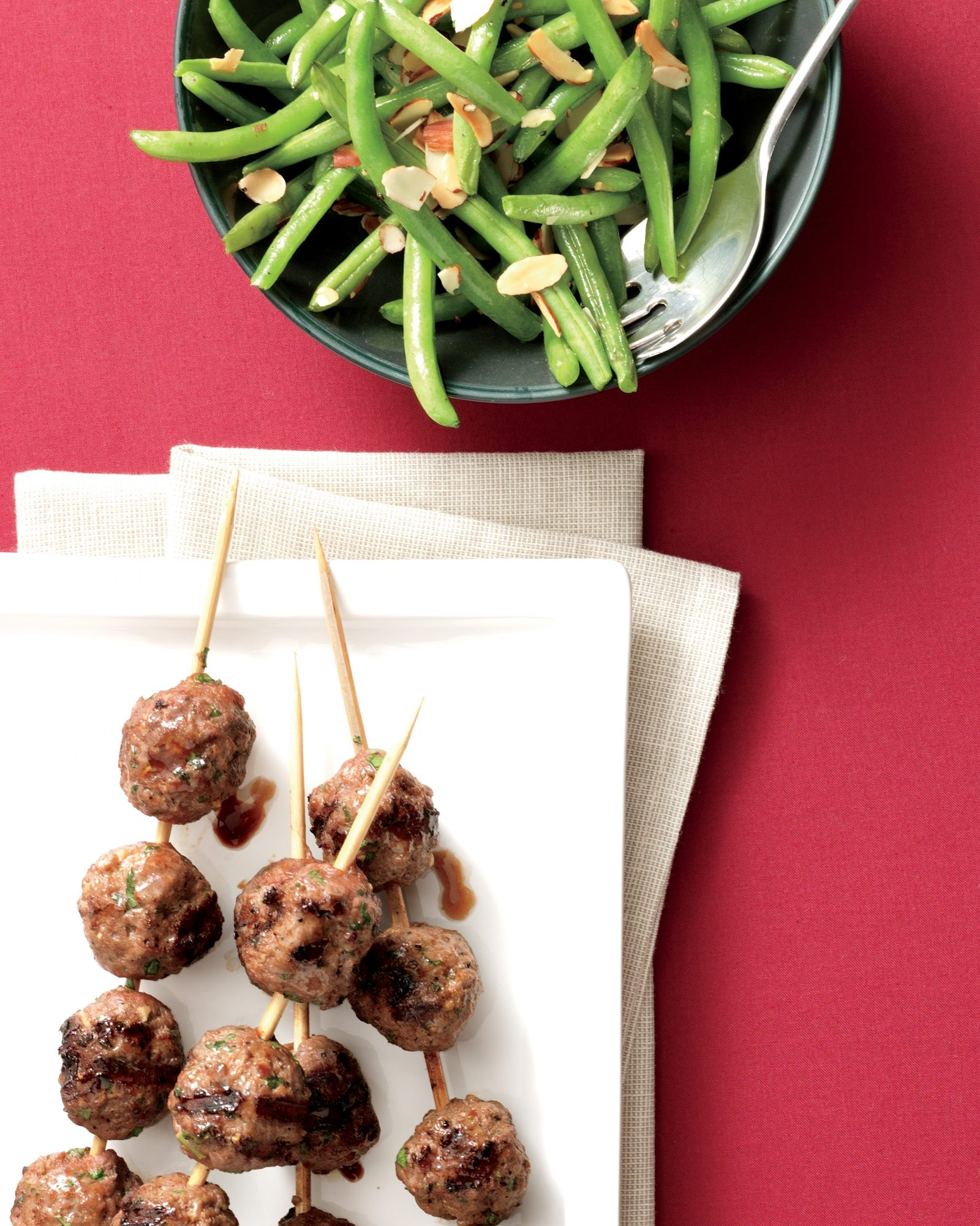 beef-kebabs-roasted-green-beans-almonds-1110-RR-MP02-01