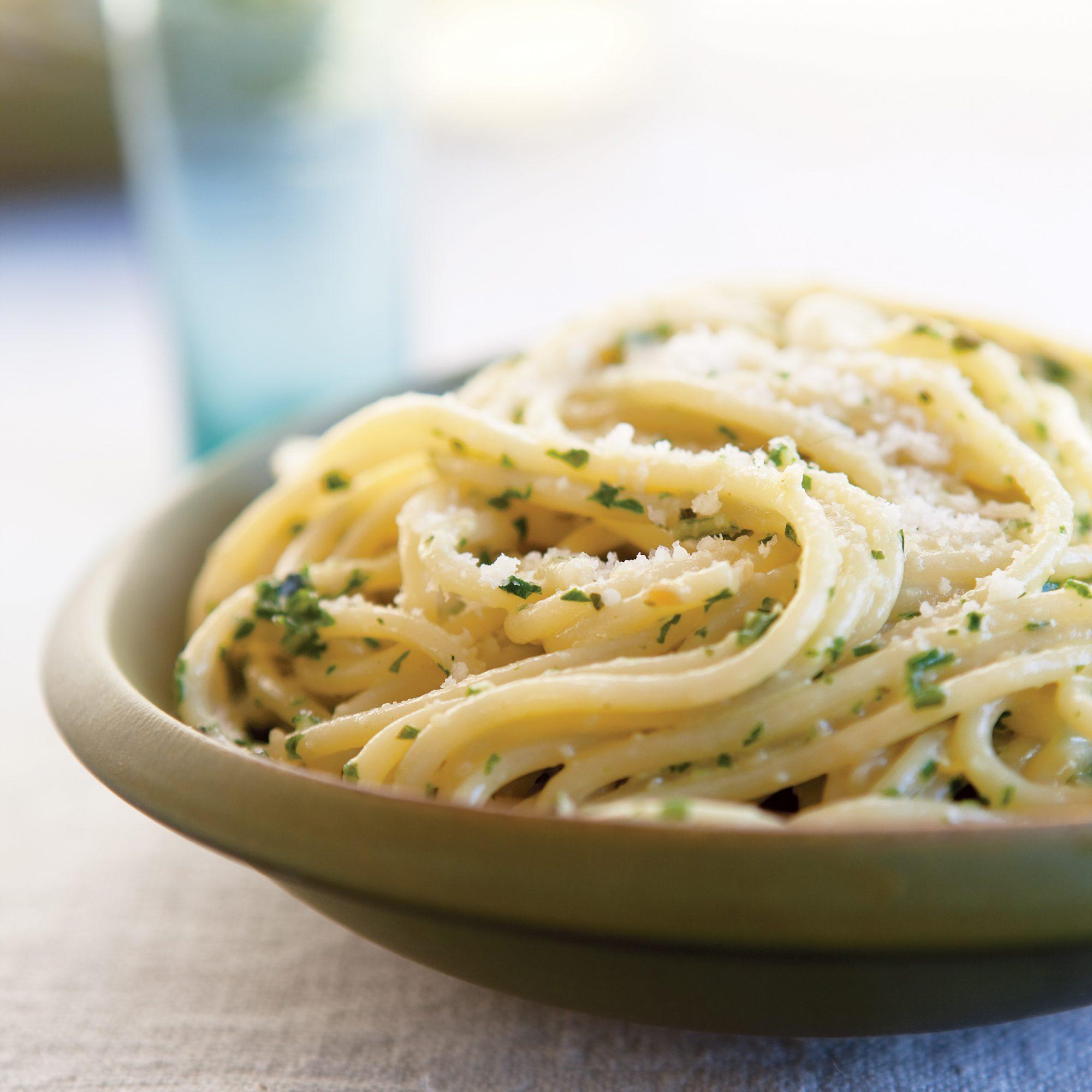 Spaghetti with Creamy Ricotta Pesto