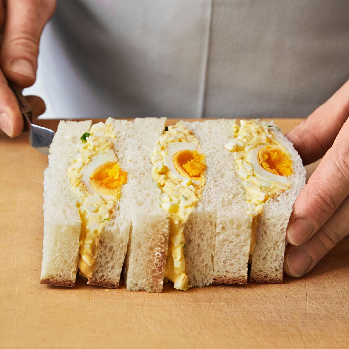 wonder bread white sandwich