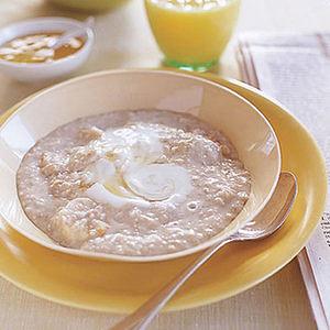 Oatmeal with 'Nanas and PB