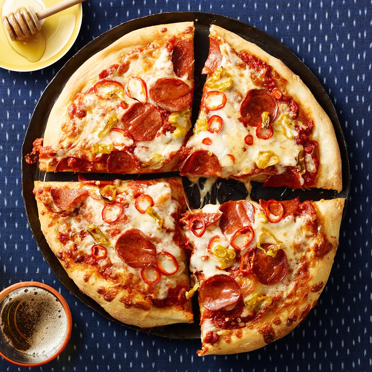 pepperoni hot pepper pizza