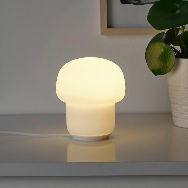 tokabo-table-lamp-with-light-bulb__0701671_PE724202_S5