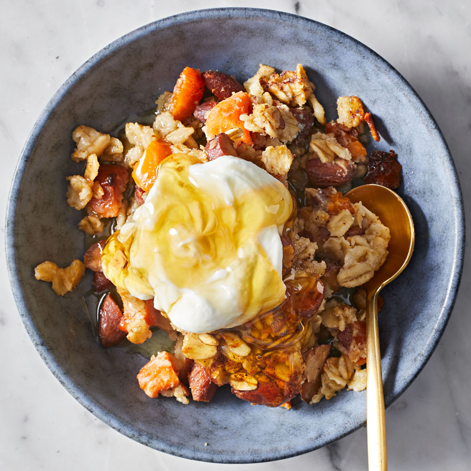 baked oatmeal with apricots and cardamom
