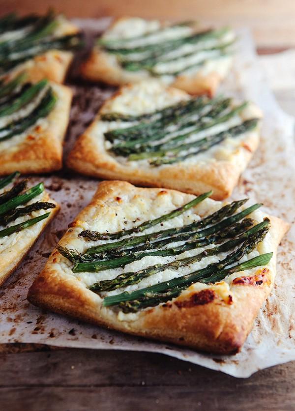 Asparagus-Ricotta-Tart-with-Honey-Lemon-Sauce-2