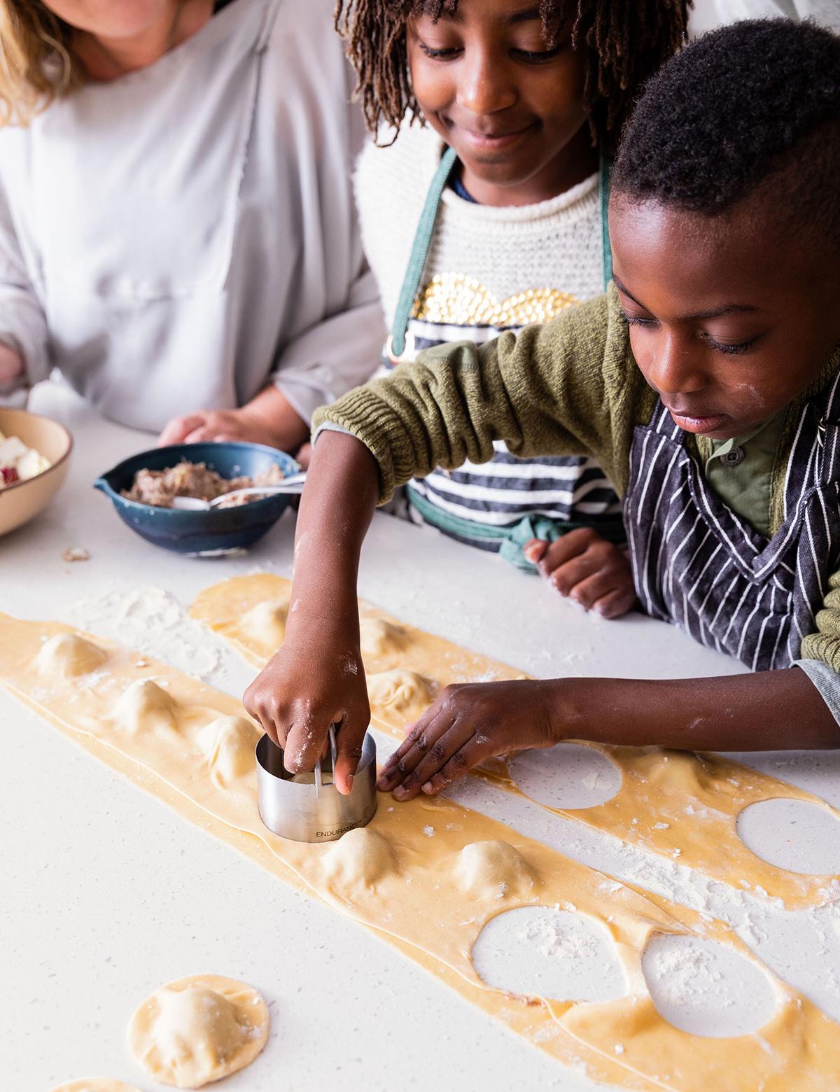 kids making ravioli