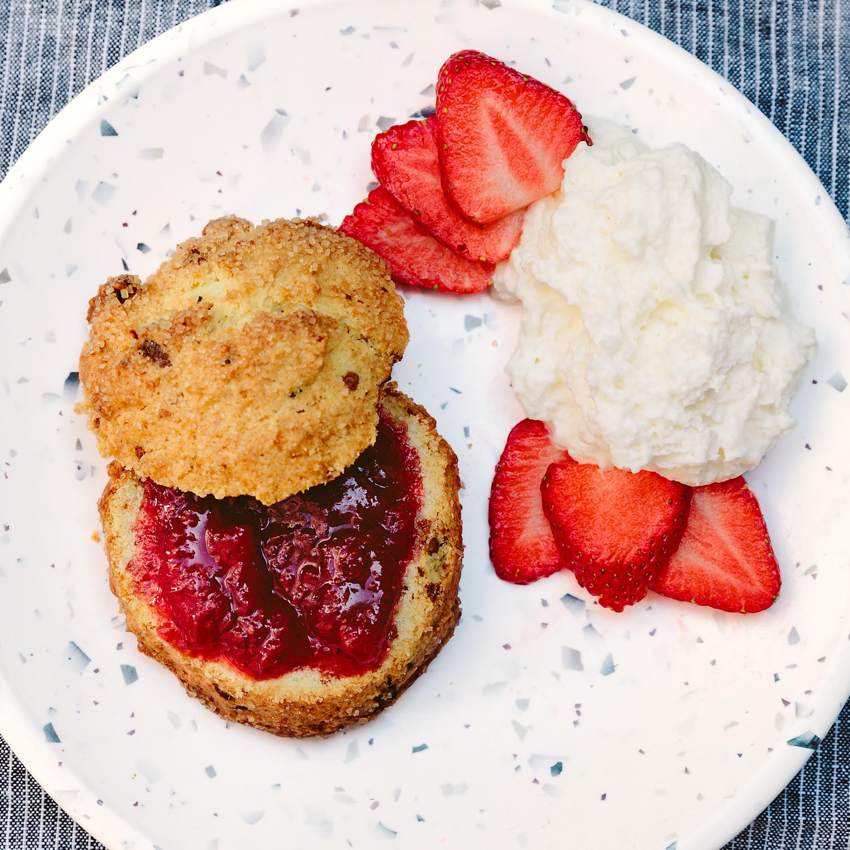 rosemary-and-white-chocolate-scones-f823b2f2_0