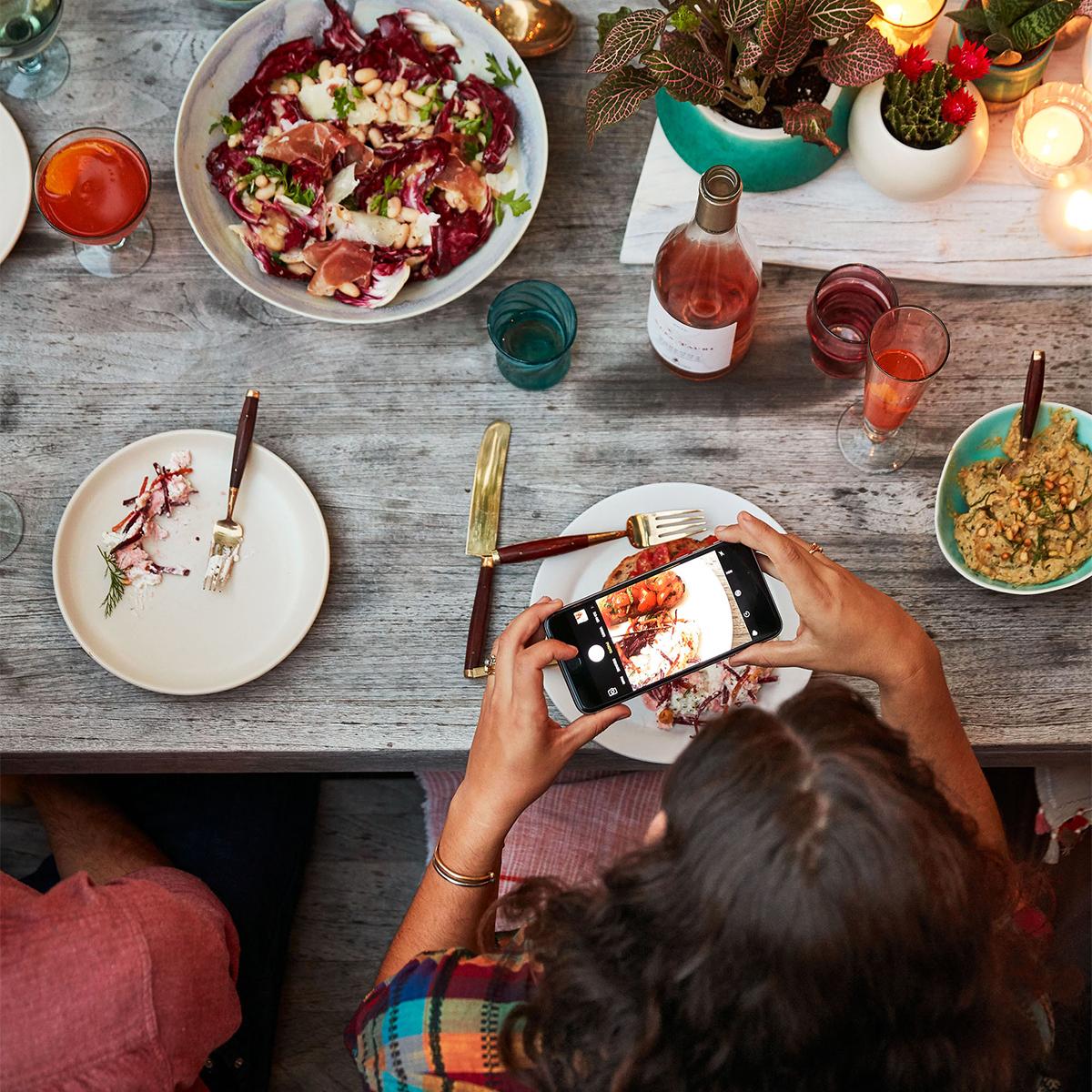 phone social media photo summer dinner party