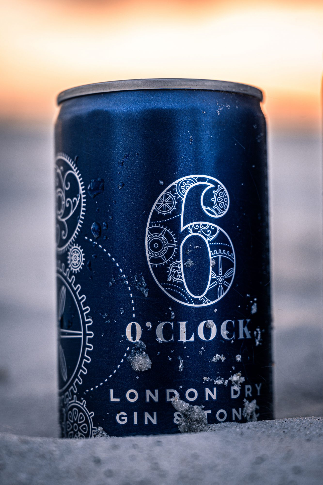 6 O'Clock Gin Canned Cocktail