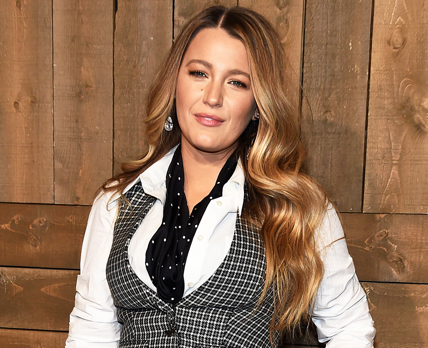 Blake Lively Calls Out Paparazzi and Tabloid For Posting Photos Of Her 3 Children