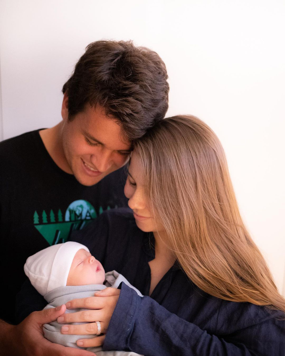 Bindi Irwin, Chandler Powell
