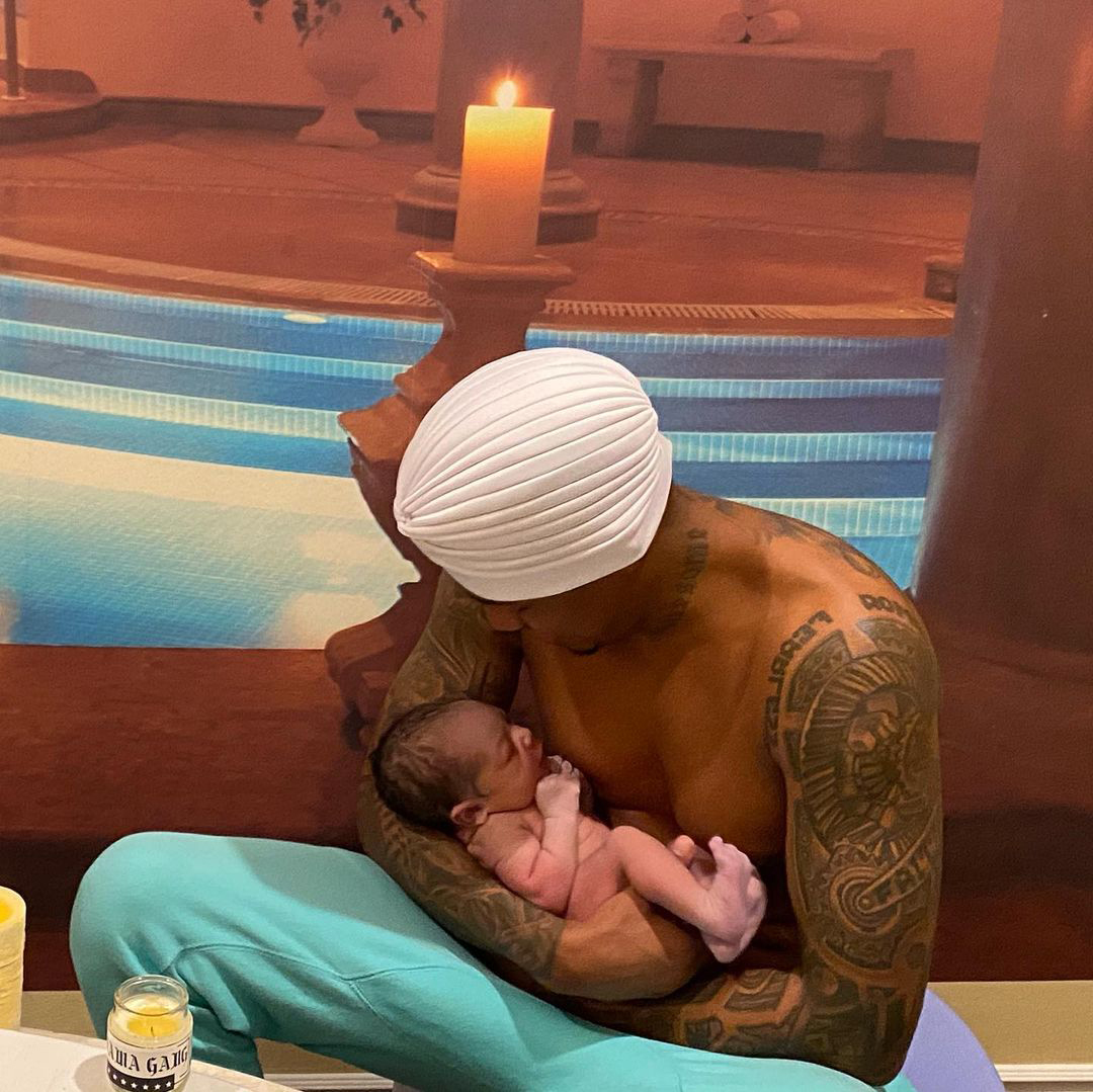 Brittany Bell and Nick Cannon newborn