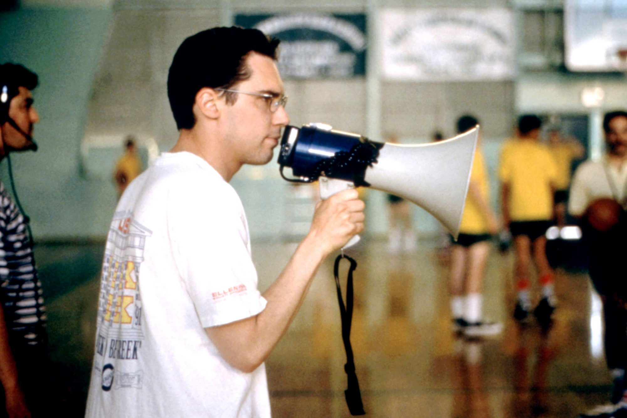 APT PUPIL, director Bryan Singer, on set, 1998. (c)Sony Pictures/courtesy Everett Collection