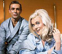 Sean Connery, Shirley Eaton, ...