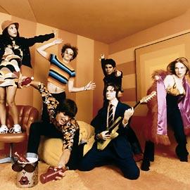 Mila Kunis, Laura Prepon, ...