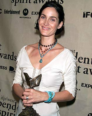 Carrie-Anne Moss, Independent Spirit Awards 2002