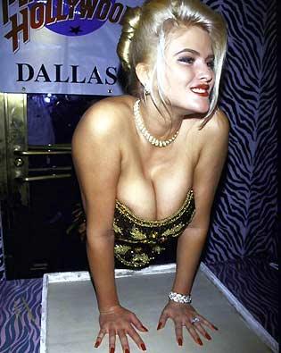 Anna Nicole Smith, Planet Hollywood