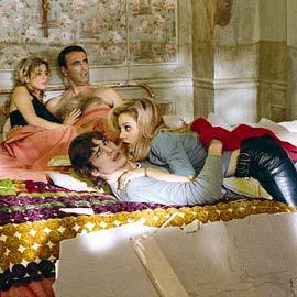 Ashton Kutcher, Brittany Murphy, ...