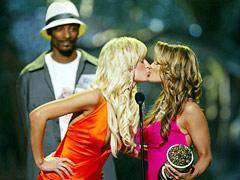 Paris Hilton, Carmen Electra, ...