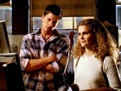 Simon Rex, Keri Russell, ... | Lesson: Not everybody's first time is special. Exhibit A: University of New York freshman Felicity Porter (Keri Russell). Perpetually torn between dorky resident-adviser Noel and…