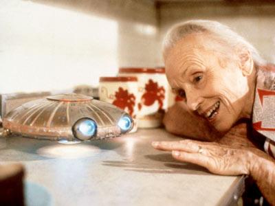 Jessica Tandy, *batteries not included