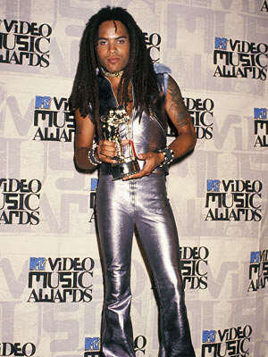 Lenny Kravitz | Hi-Ho Silver Just because the award is a spaceman doesn't mean you have to dress like one, Mr. Kravitz.