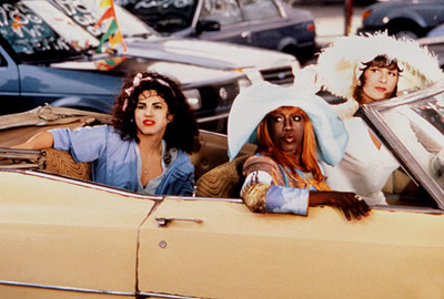 To Wong Foo, Thanks for Everything! Julie Newmar, John Leguizamo, ... | More drag queens on road trips! This time, it's three New York drag queens — Noxeema (Snipes), Vida (Swayze), and Chi-Chi (Leguizamo) — who set…