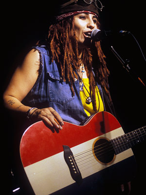 Linda Perry, 4 Non Blondes