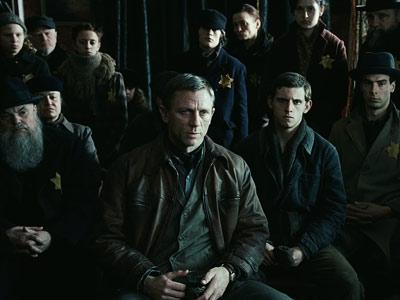 Daniel Craig, Defiance
