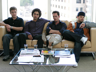 Kevin Dillon, Jerry Ferrara, ... | ENTOURAGE PREMIERED July 18, 2004 THE SCOOP Just a few months after HBO ended its era of expensive shoes and gratuitous sex in the Big…