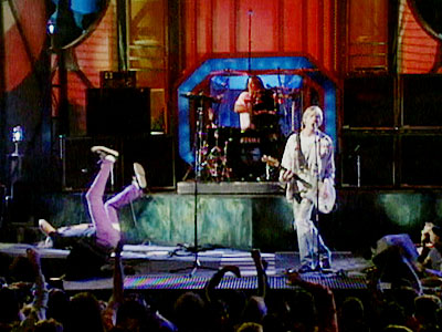 Nirvana, Krist Novoselic   The Bad NIRVANA'S KRIST NOVOSELIC (1992) These alternative rockers never seemed to have a smooth time at the VMAs. Maybe it was an inherent fear…