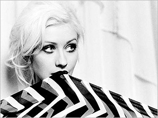Christina Aguilera, Keeps Gettin' Better- A Decade of Hits