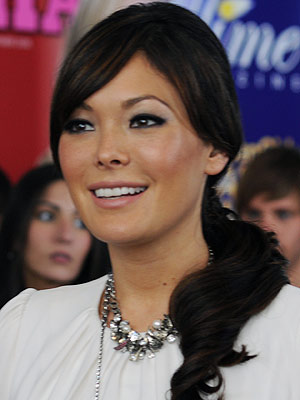 Lindsay Price   LINDSAY PRICE, first on Lipstick Jungle , now on Eastwick . She has great comedic timing, looks great, and actually outshined veteran Brooke Shields on…
