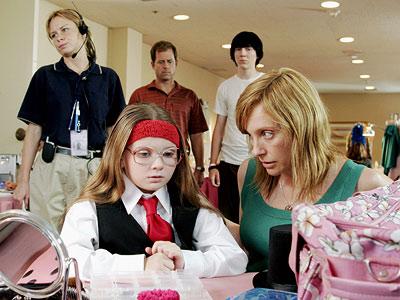 Toni Collette, Abigail Breslin, ...