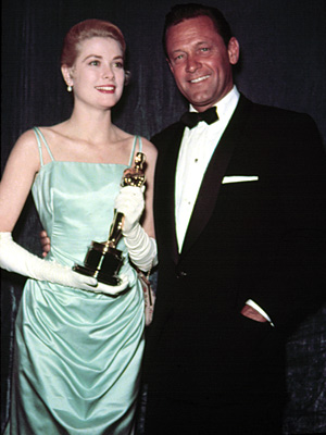 Oscars 1955, Grace Kelly | Grace Kelly (1955) Her sublime ice blue satin gown has since positioned the Best Actress winner ( The Country Girl ) as the fashion icon…