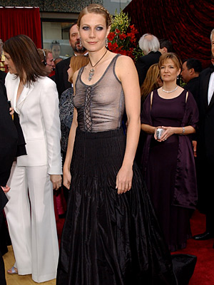 Oscars 2002, Gwyneth Paltrow | Gwyneth Paltrow (2002) The actress didn't even try to cover up in see-through Alexander McQueen and a bucketful of eyeliner that she must have borrowed…