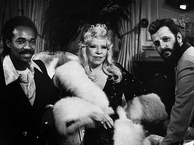 Sextette, Mae West, ...