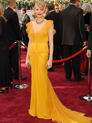 Oscars 2006, Michelle Williams | Michelle Williams (2006) This mustard-hued, beautifully pleated and tucked Vera Wang swept away any trace of doubt that the former Dawson's Creek star could make…