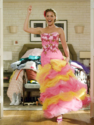 27 Dresses, Katherine Heigl | Rom-coms and fashion go together like horror movies and blood, so it's no surprise that the majority of them include a scene in which a…