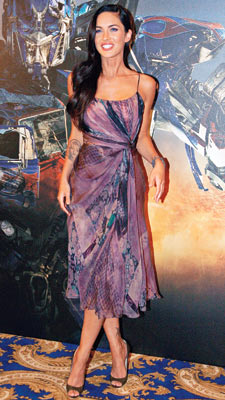 Megan Fox | Tie-dyed and tea-length — two trends that do not play well with others, even on an Alberta Ferretti. GRADE: C